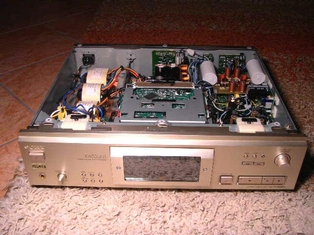 Sony XA555-ES 1