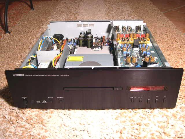 Yamaha CD-S2000 1