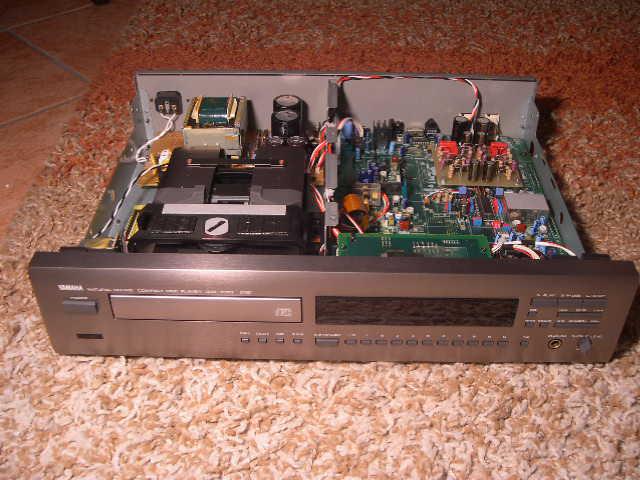 Yamaha CDX-1050 1